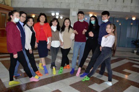 Флешмоб Lots of Socks («Много носков») в поддержку Акции солидарности с людьми с синдромом Дауна