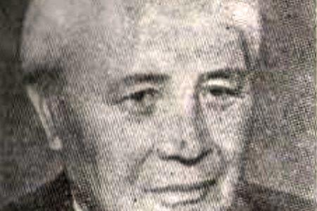 """Кырыз эл акыны Муса Жангазиевдин туулган күнүнүн 100 жылдыгына карата """"Элинин таланттуу уулу"""" атуу китеп сүрөт көргөзмөсү"""
